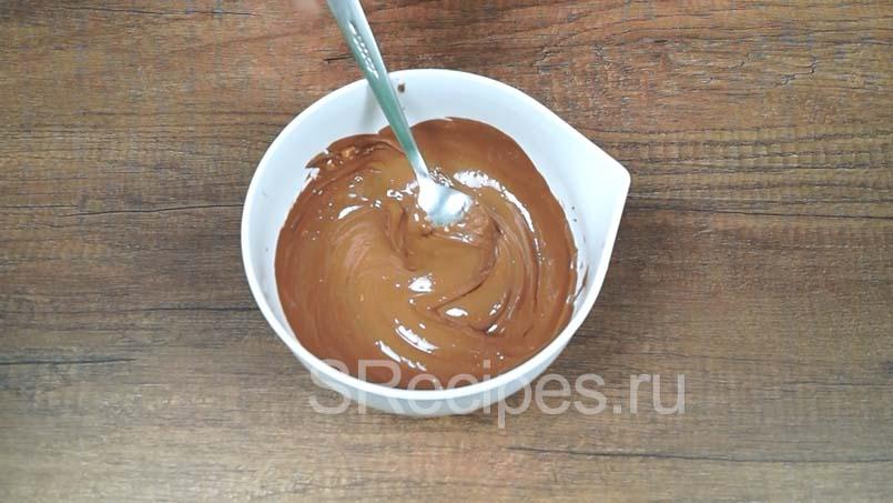 растопить в микроволновке молочный шоколад